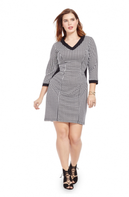 PRINTBLOCKED SHEATH DRESS IN HOUNDSTOOTH